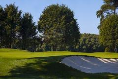 Terrain de golf. Photos libres de droits