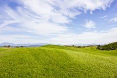 Terrain de golf dans Belek Herbe verte sur la zone Ciel bleu, ensoleillé Photos libres de droits