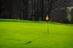 Terrain de golf dans la campagne Photos stock