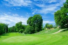 Terrain de golf en Suède Photo stock