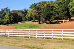 Terrain de golf neuf Image libre de droits