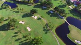 Terrain de golf visuel aérien 4 banque de vidéos