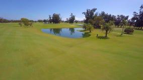 Terrain de golf visuel aérien de Miami Beach clips vidéos