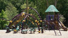 Terrain de jeu à l'endroit de dinosaure dans le Connecticut Photographie stock libre de droits