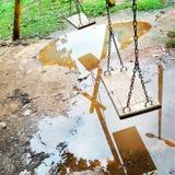 Terrain de jeu abandonné photo libre de droits