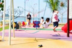 Terrain de jeu abstrait de tache floue avec jouer d'enfant Photos libres de droits