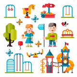Terrain de jeu d'enfants dans le style plat Image stock