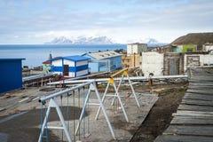 Terrain de jeu dans Baretnsburg, règlement russe dans le Svalbard Image libre de droits