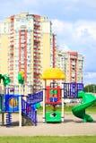 Terrain de jeu dans la ville Photos stock