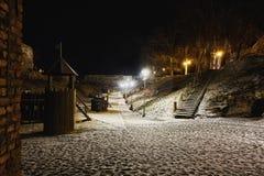 Terrain de jeu dans le château de haapsalu, Estonie photographie stock