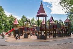 Terrain de jeu en parc de Frogner à Oslo Photo libre de droits