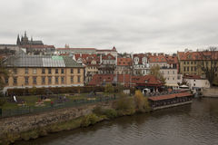 Terrain de jeu sur le bord de mer à Prague Image stock