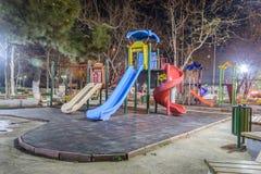 Terrain de jeu vide la nuit hiver - Turquie Photo stock