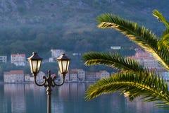 Terraplén de Kotor en el invierno, República de Montenegro Fotografía de archivo