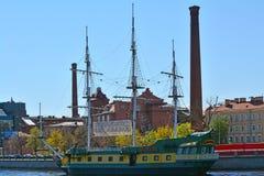 Terraplén de Petrogadskaya en St Petersburg, Rusia Fotografía de archivo libre de regalías