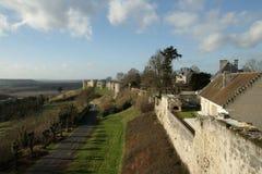 Terraplén del Coucy-le-castillo francés Foto de archivo libre de regalías