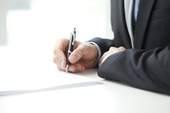 Terraplén del hombre de negocios el formulario Foto de archivo