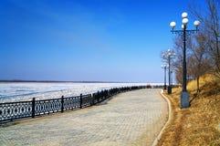 Terraplén del río Amur en Khabarovsk Fotos de archivo libres de regalías