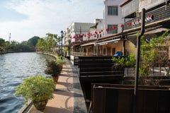 Terraplén del río en Melaka, Malasia Imágenes de archivo libres de regalías