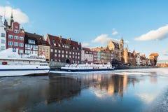 Terraplén en Gdansk, Polonia, ciudad vieja de Hanza Imagen de archivo