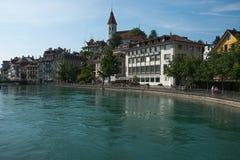 Terraplén en la ciudad de Thun, Suiza Fotografía de archivo