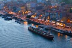 Terraplén en la ciudad vieja de Oporto, Portugal Fotografía de archivo libre de regalías