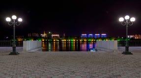 Terraplén en la noche fotografía de archivo
