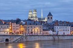 Terraplenagem da catedral de Loire e de Orleans imagem de stock royalty free
