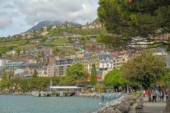 Terraplenagem da cidade perto do lago em Suíça Imagens de Stock