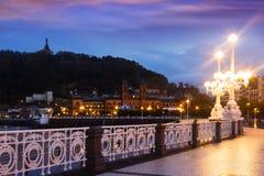 Terraplenagem do Concha do La no amanhecer em Donostia Imagens de Stock