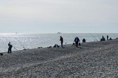 Terraplenagem do Mar Negro E pescadores imagens de stock royalty free