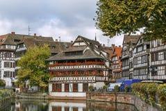 Terraplenagem do rio doente, Strasbourg fotos de stock