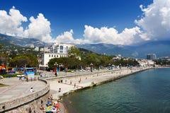 Terraplenagem em Yalta, Crimeia fotografia de stock royalty free