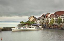 Terraplenagem na cidade de Friedrichshafen germany imagens de stock royalty free
