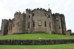 Terraplenes del castillo de Alnwick Fotos de archivo libres de regalías