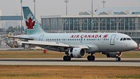 Terras de Air Canada Airbus fotografia de stock royalty free