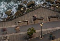 Terras die het overzees bij zonsondergang, Monterosso-al merrie, Cinque Terre, La Spezia, Ligurië, Italië overzien stock afbeelding