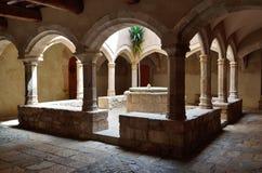 Terras in het klooster Santes Creus Royalty-vrije Stock Afbeelding