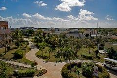 Terras interiores no recurso de Playa Paraiso em cocos de Cayo, Cuba imagens de stock