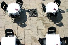 Terrass och tomma tabeller Royaltyfri Foto