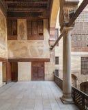 Terrass på ottomanen historiska Beit El Set Waseela som bygger det Waseela Hanem huset, gammal Kairo, Egypten arkivfoton