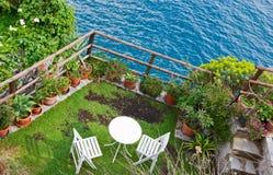 Terrasse über Meer Stockbilder