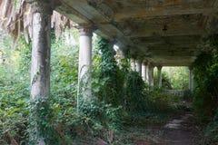 Terrasse abandonnée vieille par antiquité Image libre de droits