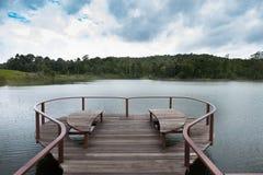 Terrasse de coeur sur le lac de yai de khoa Images stock