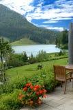 Terrasse de l'hôtel de montagne Photographie stock