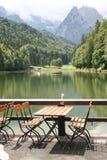 Terrasse in den deutschen Alpen Stockbild