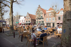 Terrasse in der Mitte von Oudewater Lizenzfreie Stockbilder