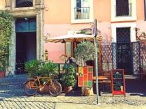 Terrasse mignonne de café Photo libre de droits