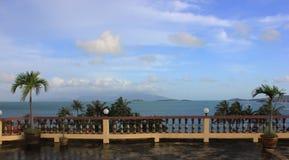 Terrasse mit Seeansicht Stockfotografie