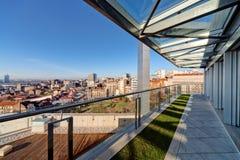 Terrasse moderne de bâtiment Images stock